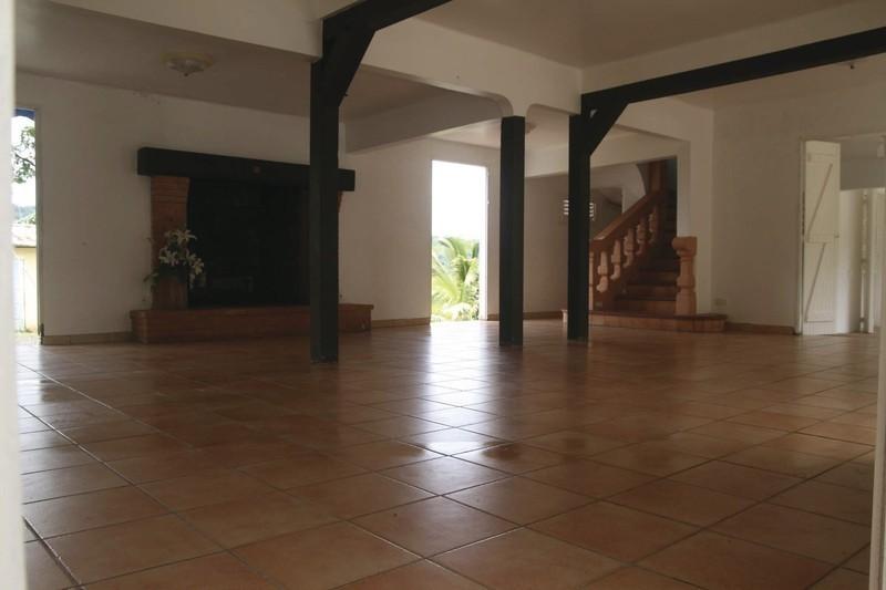 location salle martinique anniversaire tan kini. Black Bedroom Furniture Sets. Home Design Ideas